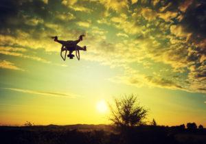 Dron na oblohe